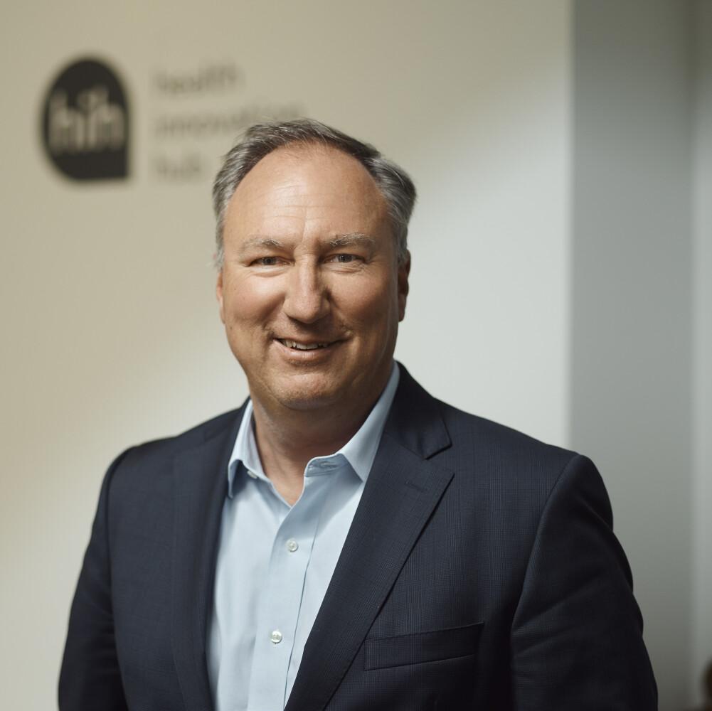 #1 Folge – Die Digitalisierung des Gesundheitswesens und das papierärmste Krankenhaus Deutschlands mit Prof. Dr. Jörg Debatin