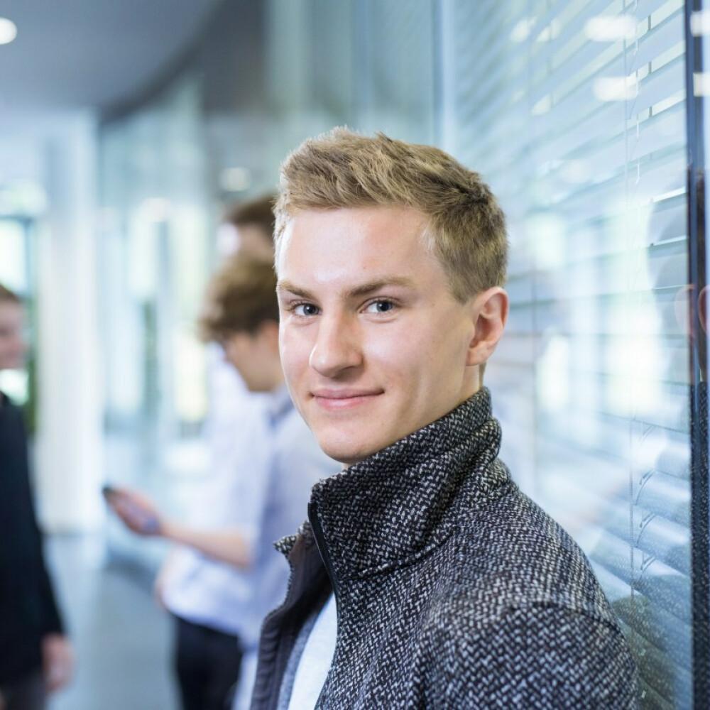 #19 Folge – Marcel Schmidberger: Digitaler Sprachassistent schafft Mehrwert für Patienten und Pflegekräfte